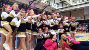 Cheerleaders med medaljer