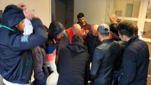 Asylsökande vid flyktingförläggningen i Hennala i Lahtis