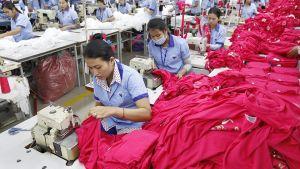 Klädfabrik i Kambodja.