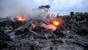Vrakdelar av MH17 som sköts ned i ett rebellkontrollerat område i Ukraina i juli 2014.