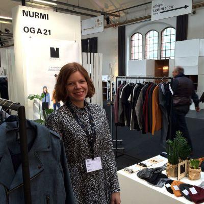 Anniina Nurmi osallistui vaatemerkillään eettistä muotia esitteleville messuille Berliinissä.