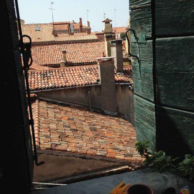 Näkymä Venetsian kattojen ylle.