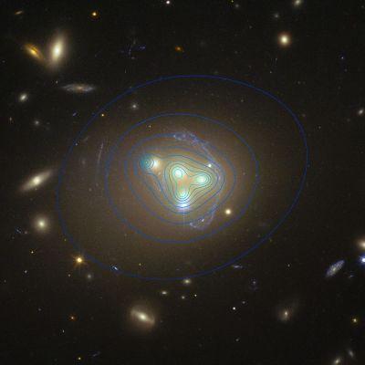 Hubble-avaruusteleskoopin kuva Abell 3827-galaksista.