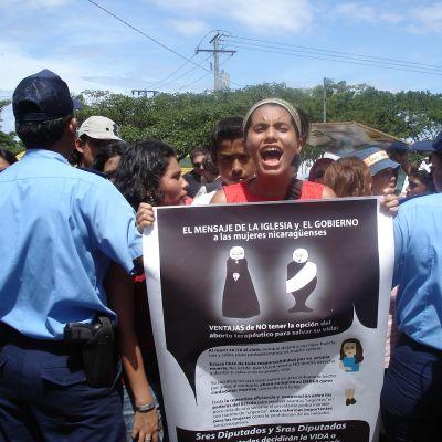 I Nicaragua kämpar kvinnor för rätten att ta abort. Kampen har hittills pågått utan resultat.