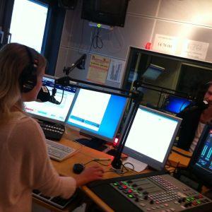 Patrik Isaksson i Lördax-studion