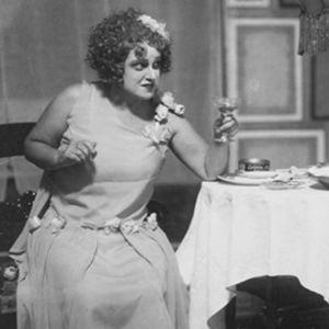 Dolly-näytelmä Viipurin Työväen Teatterissa 1920-luvun lopulla.