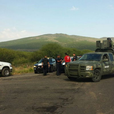 Tiotals dödade i eldstrid mellan polisen och en knarkkartell i Mexico.