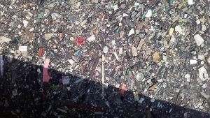 Miljöföroreningar i havet vid Indiens kust
