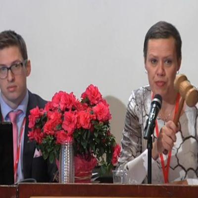 Maarit Feldt-Ranta på FSD:s kongress i Helsingfors.