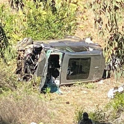 Bild på bilen som Tiger Woods ensam färdades i.