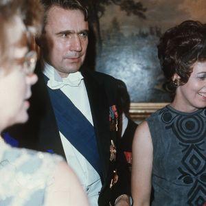 Vår kommande president Mauno Koivisto och hans hustru Tellervo på självständighetsmottagningen 1970.