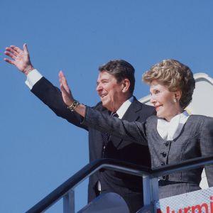 Nancy ja Ronald Reagan saapuvat Suomeen 1988