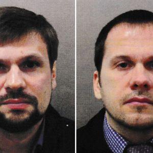 Brittisk polis gav ut fotografier av två ryska medborgare som har efterlysts internationellt, misstänkta för mordförsöket på Sergej Skripal och hans dotter Julia