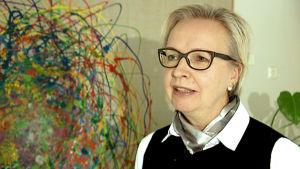 Aino-Liisa Oukka haastattelukuvassa
