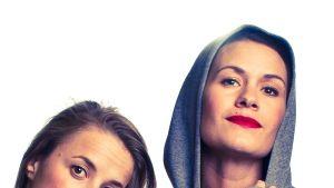 Bild på Alexandra Mangs och Annika Åman från teatergruppen Unga Scenkompaniet