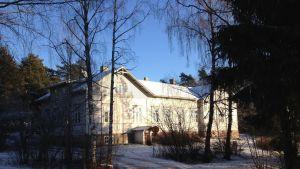 Lohjansaaren koulu på Lojoön.