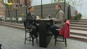 Reidar Wasenius och Mårten Svartström berättar sina livsberättelser för varandra. Bild: Cityportal Ab