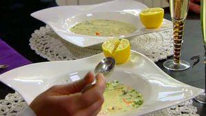 Ostronsoppa med rivet ägg, ishavsrom och mannagryn