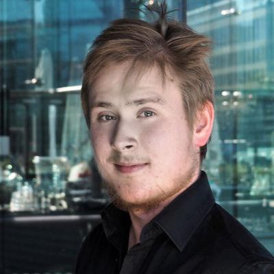Kuoronjohtaja Visa Yrjölä.
