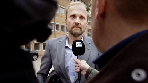 Svensk diplomat forst i buffertzonen