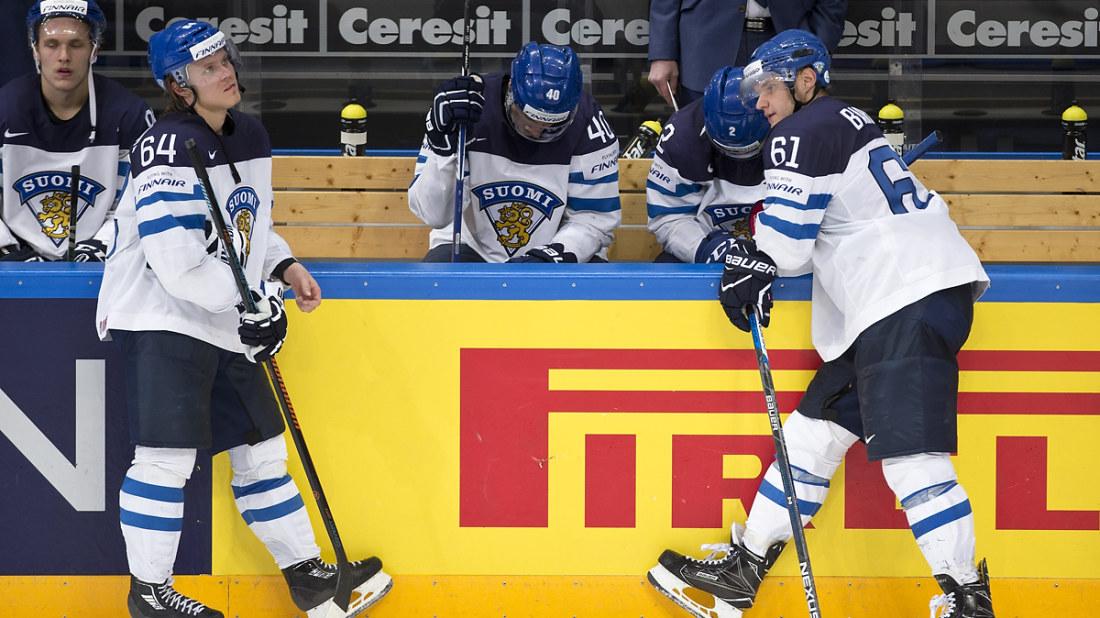 Mikael Granlund och Aleksander Barkov deppar efter lejonens finalförlust. acd9b1ad5788c