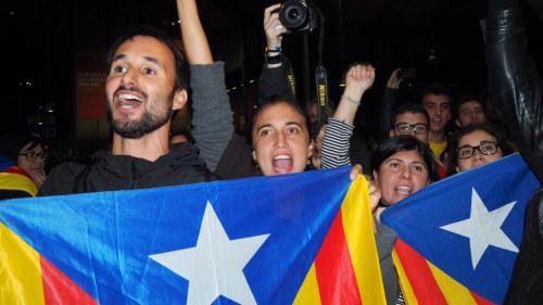 Katalonien gar mot folkomrostning
