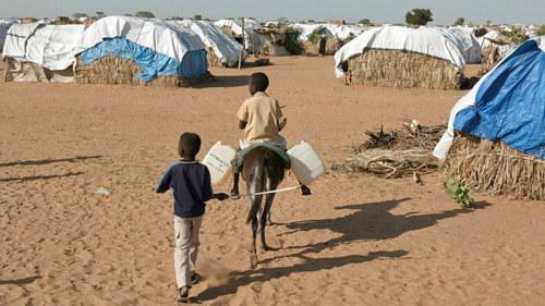Rwandiska flyktinglager flyttas