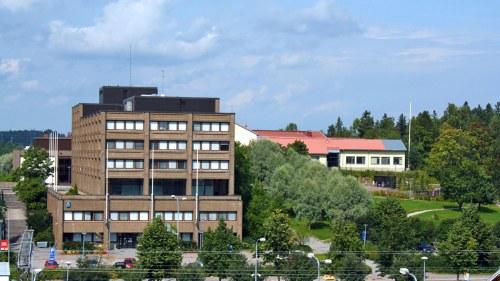 Skola adopterar stadshuset