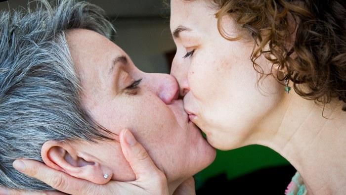 Homo dating Geelong