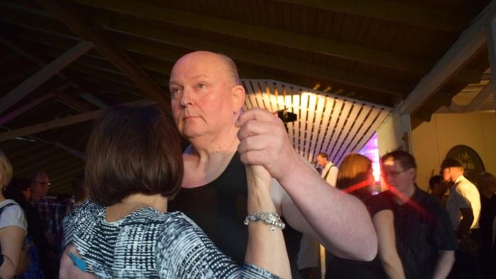 homoseksuaaliseen live sex suomi escort in helsinki