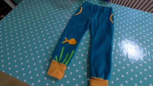 Ompele omat pehmeät housut veluurista | Askartelu ja