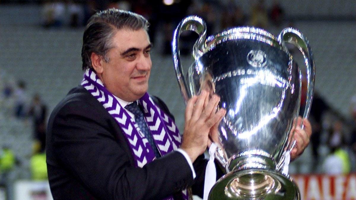 Real Madrids tidigare ordförande död – fördes till sjukhus tidigare i veckan på grund av coronavirussmitta