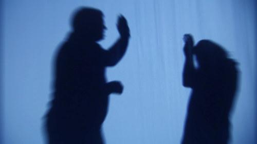 kvinna söker man handen