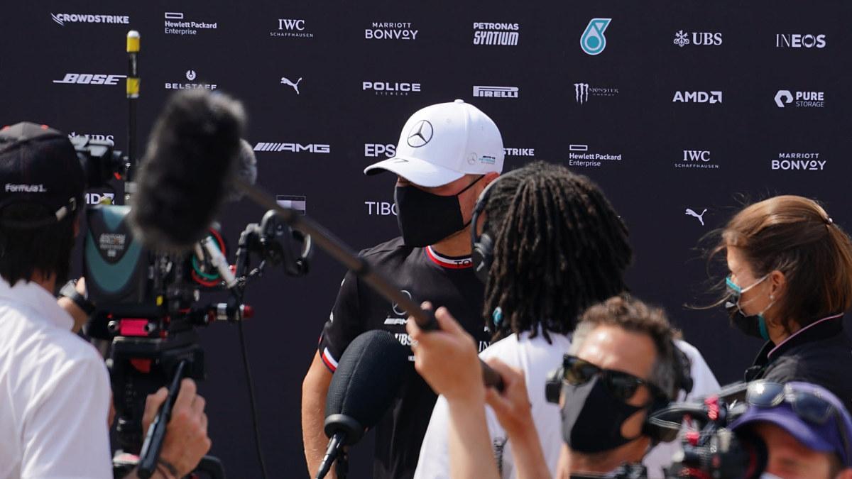 """""""Endast en förkylning"""" kan stoppa Valtteri Bottas i år – tydliga svar från Mercedes: """"Skitsnacket hör till sporten"""""""