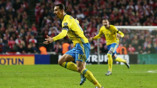 Zlatan borde inte spela langst fram