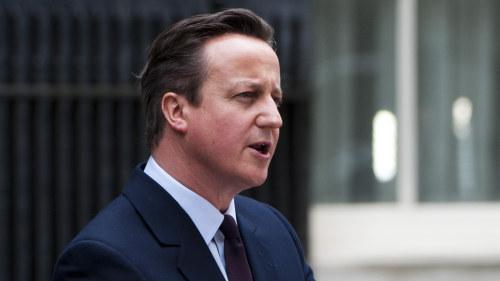 Cameron pressas av sina egna om eu