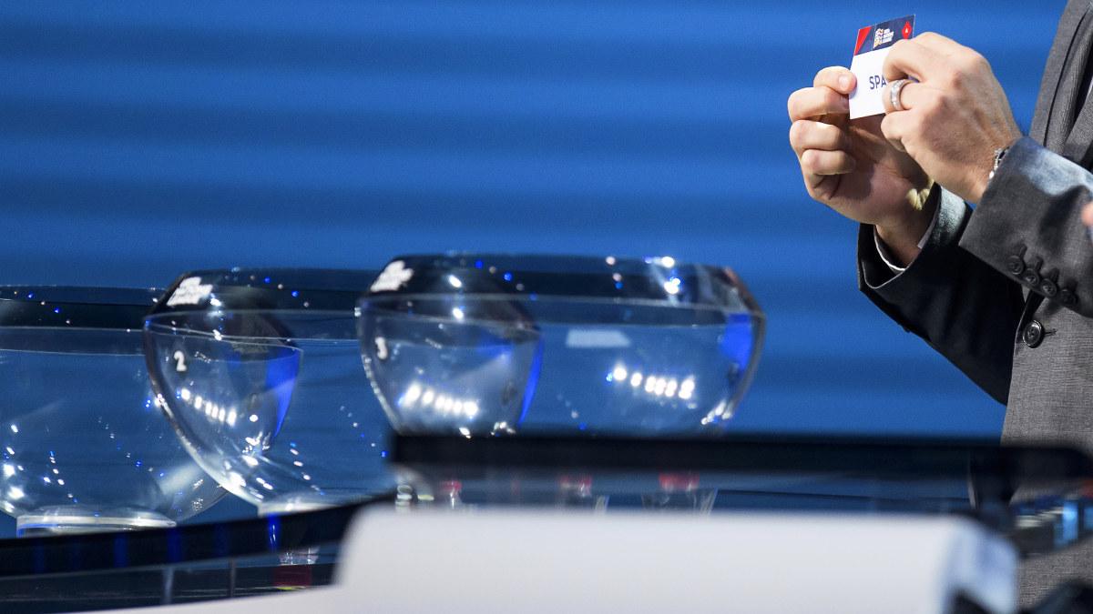 Fotbollslandslaget i korg tre då kvalgrupperna lottas – går det inte vägen  i kvalet kan Finland möta Skottland i jakten på en EM-biljett  37322244a56d6