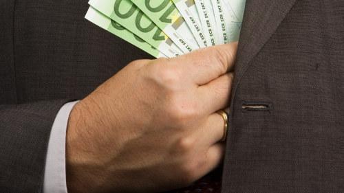 Miljoner i bonus for svenska direktorer