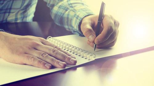 Skriver dagbok om sitt nya liv