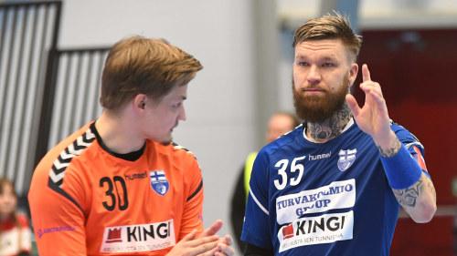 Direkt Blavita Amatorer Far Besok Av Danska Varldsstjarnor Finland Ute Efter Alla Tiders Handbollsskrall Sport Svenska Yle Fi