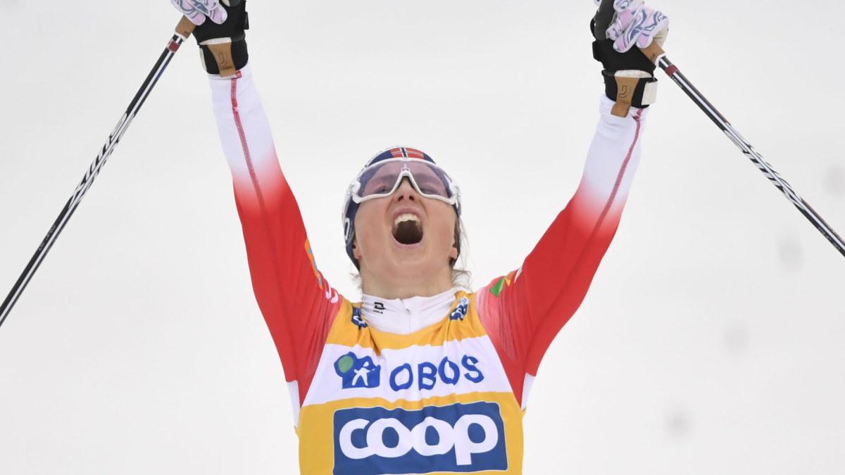Therese Johaug soloåkte till överlägsen tourseger – Krista Pärmäkoski imponerade med tredje snabbaste åktiden på ...