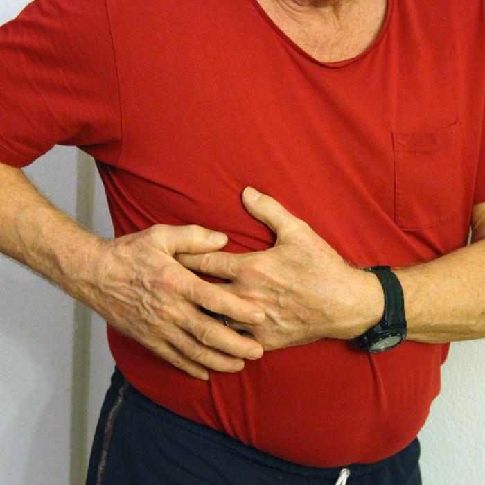 ont i bröstet när jag hostar