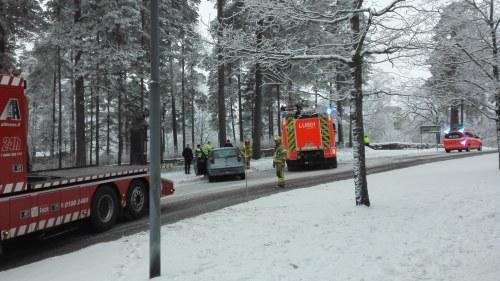 Elva skadade nar skolbuss korde av vagen