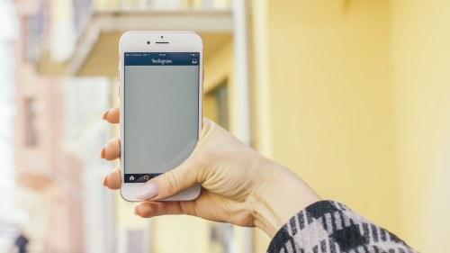 Allt fler svenskar handlar pa internet med mobilen
