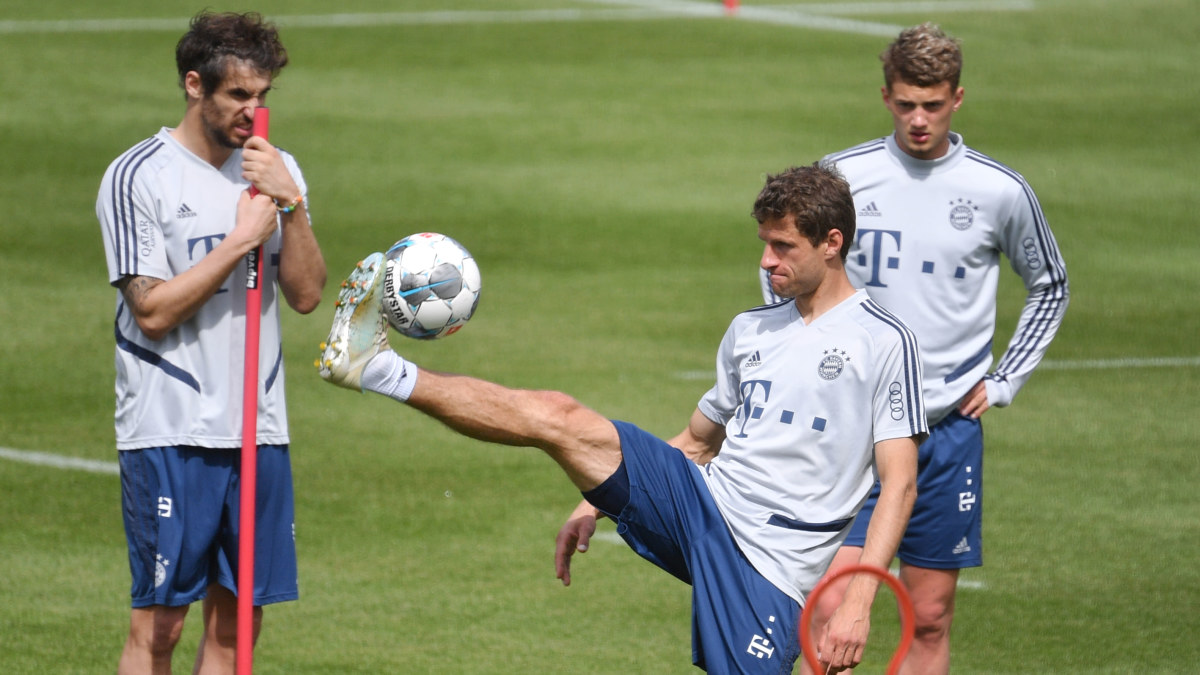 Förslaget för att kunna fortsätta Bundesliga redan i maj: Skyddsmasker till alla spelare och säkerhetsavstånd i ...