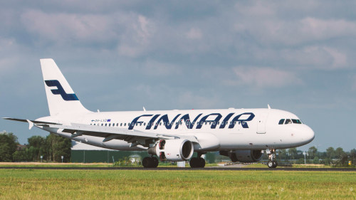 Blue 1 flyger finnair staller in