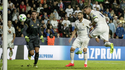 Benzema tvamalsskytt tredje matchen i rad