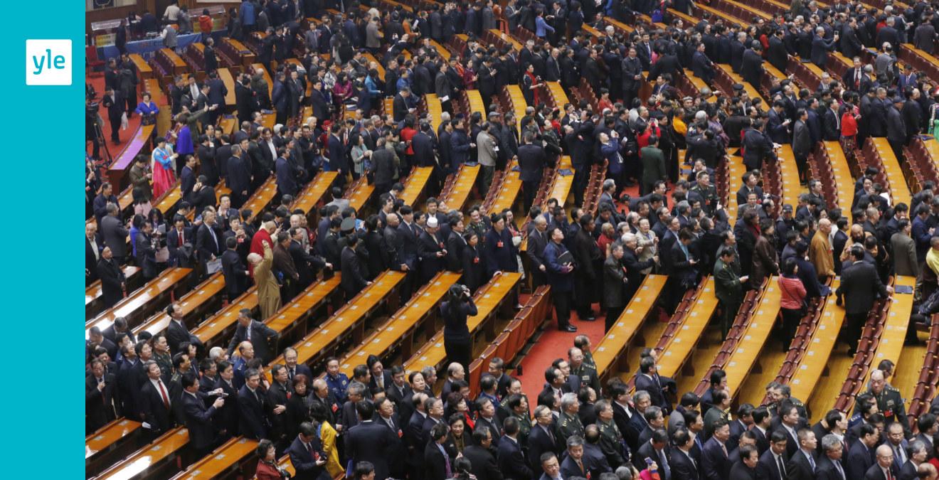 Folkkongressen har inletts
