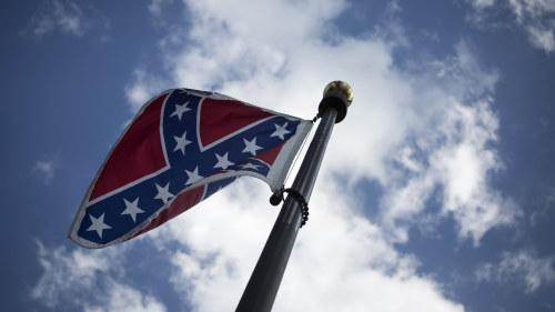 Vapen ror upp texasbornas kanslor