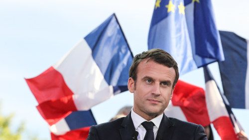Franska trupper splittrar regeringen
